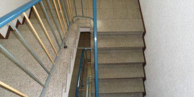 Das sehr gepflegte Treppenhaus