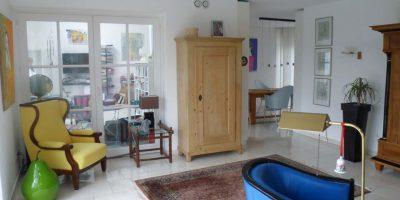 Wohnzimmer mit Blick zum Wintergarten